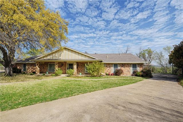 Photo of 400 Lake Louise Court  Fort Worth  TX