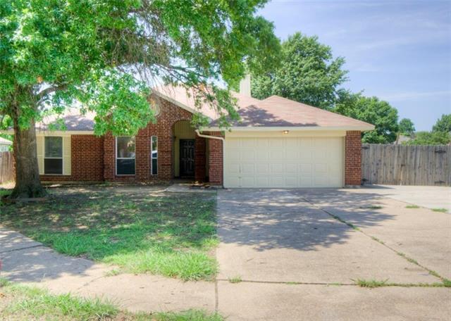 Photo of 7012 Escondido Drive  Arlington  TX