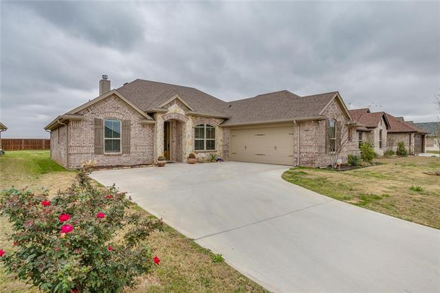 310 Oar Wood Dr, Granbury, TX 76049