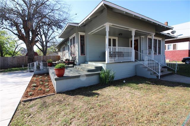 613 W Chambers St, Cleburne, TX 76033