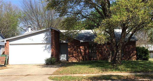 Photo of 605 Hillcrest Street  Mansfield  TX