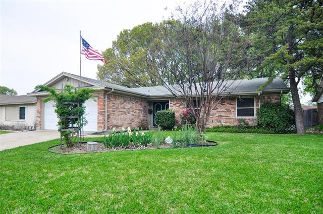 Photo of 1509 Meadow Way  Garland  TX