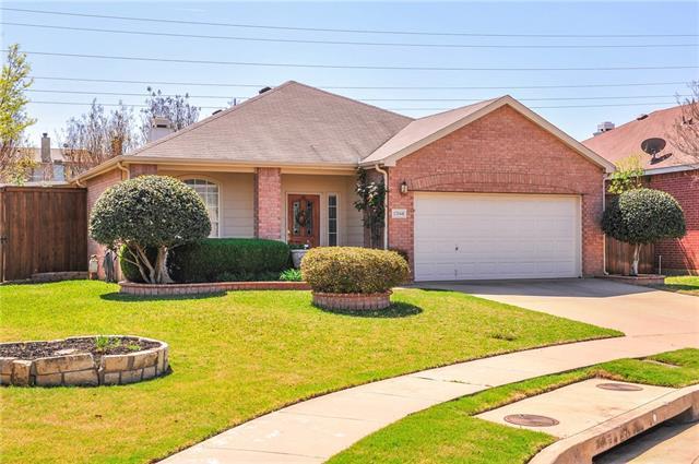 Photo of 12668 Oakwood Circle  Fort Worth  TX