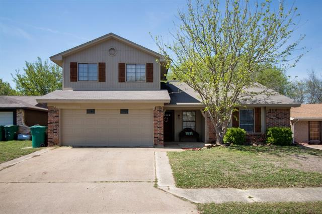Photo of 5507 Castle Court  Lake Dallas  TX