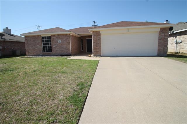 325 Oxford St, Burleson, TX 76028