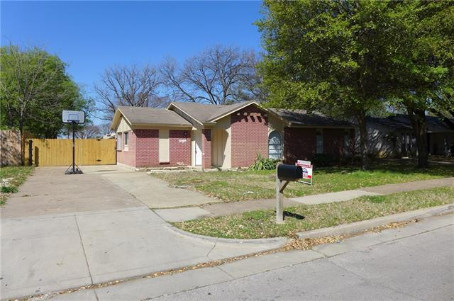 Photo of 2404 Lexington Drive  Arlington  TX