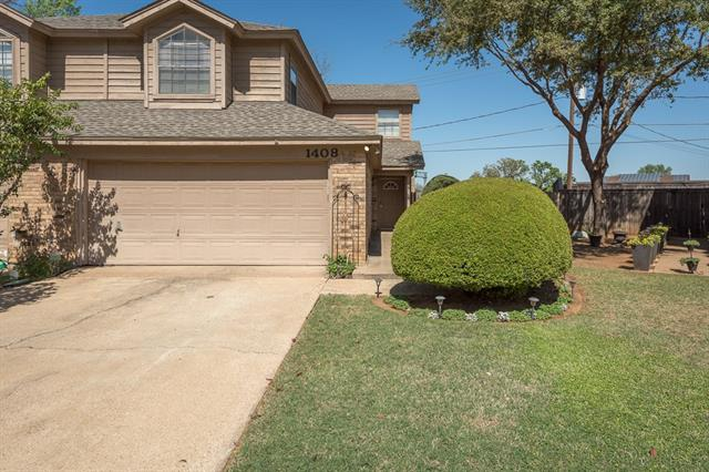 Photo of 1408 Palmnold Circle W  Fort Worth  TX