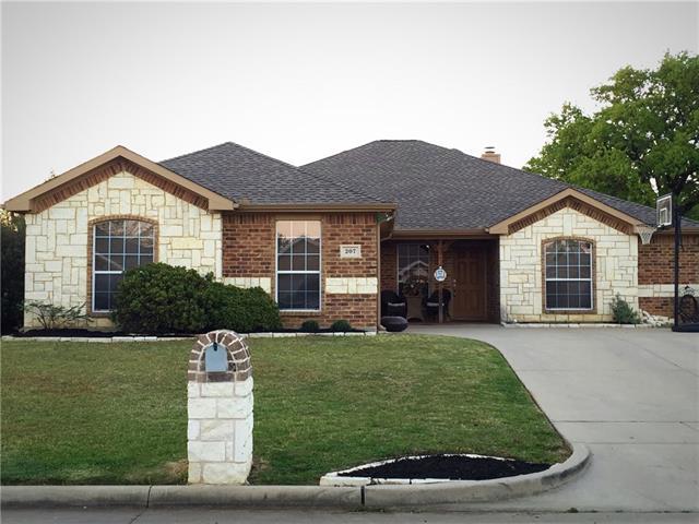Photo of 207 Meadowside Drive  Mansfield  TX