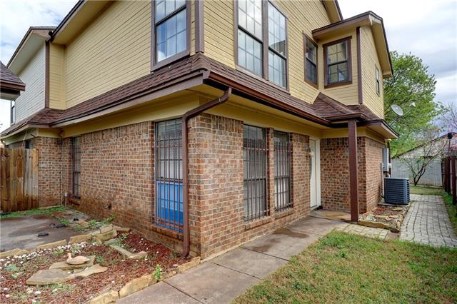 Photo of 6719 S Creek Drive  Fort Worth  TX