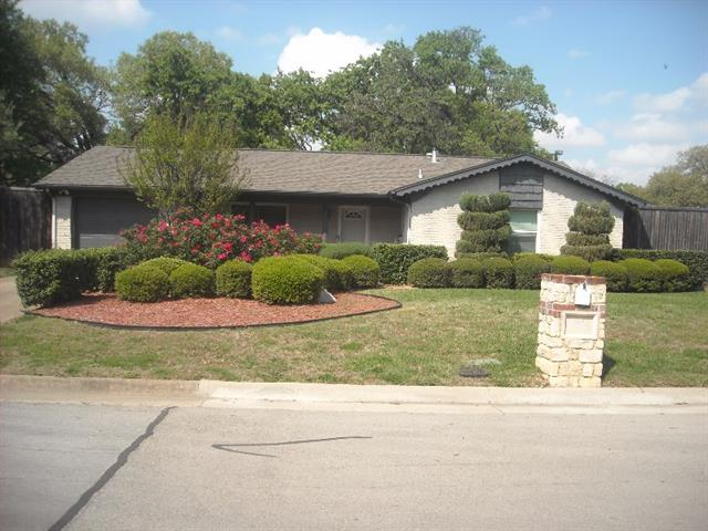 Photo of 114 Jefflyn Court  Euless  TX