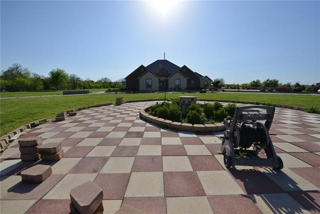198 Highview, Ennis, TX 75119