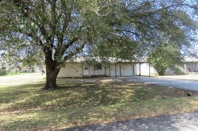 401 N Angelina St, Whitney, TX 76692