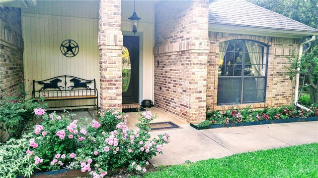 Photo of 1382 Lakeview Drive  Southlake  TX