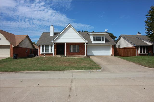 Photo of 3502 Meadowview Drive  Corinth  TX