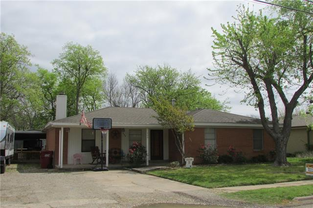 Photo of 406 S Carter Street  Whitewright  TX