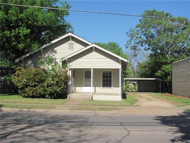 Photo of 506 Granbury Street  Cleburne  TX