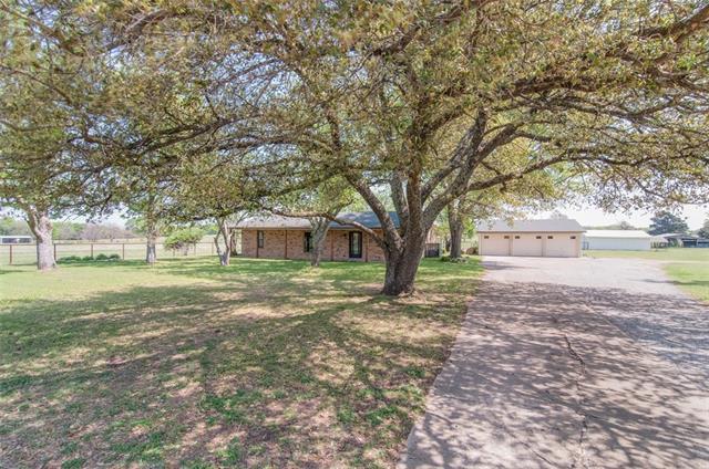 Photo of 3385 County Road 3216  Lone Oak  TX