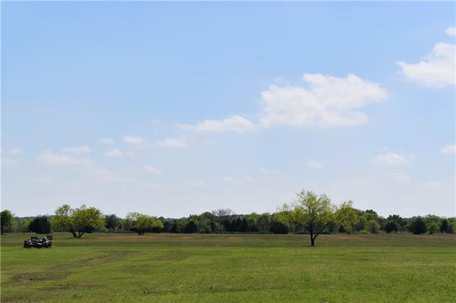 572 W Hinton West Of Hwy 377 Road Tioga, TX 76271