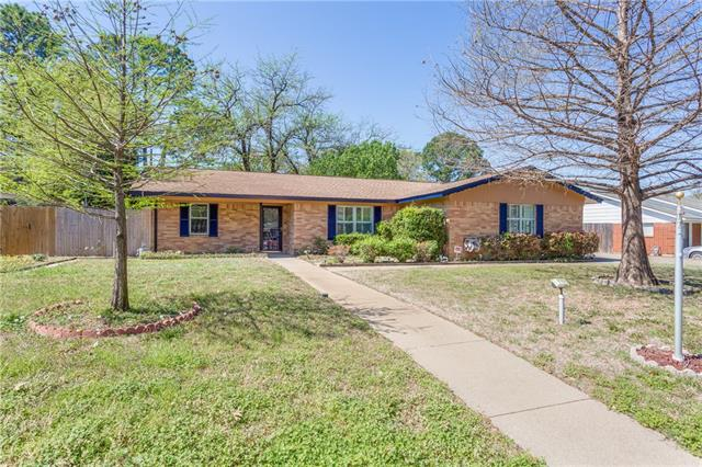 Photo of 1712 Cresthaven Drive  Pantego  TX