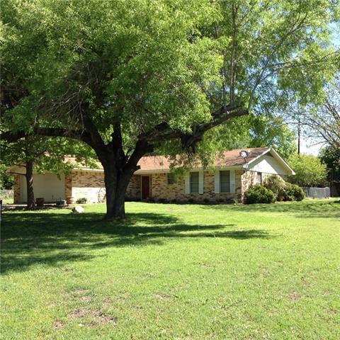 Photo of 104 Circle Drive  Hubbard  TX