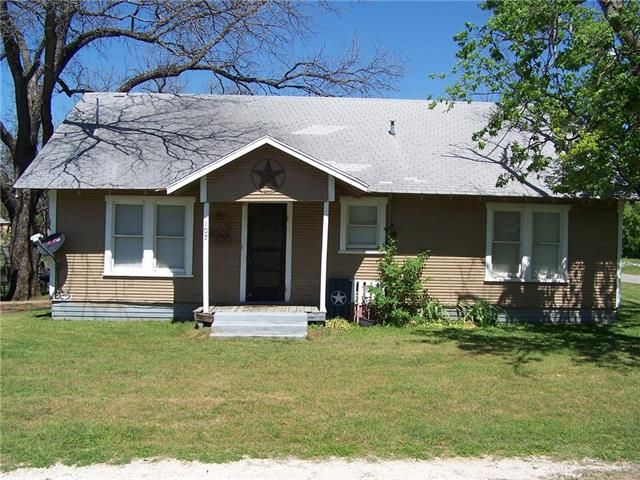 Photo of 107 8th Street  Joshua  TX