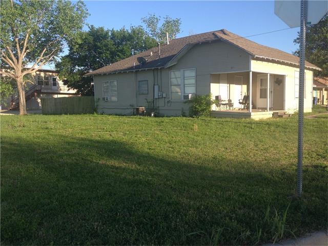 Photo of 102 W Willow Street  Sanger  TX