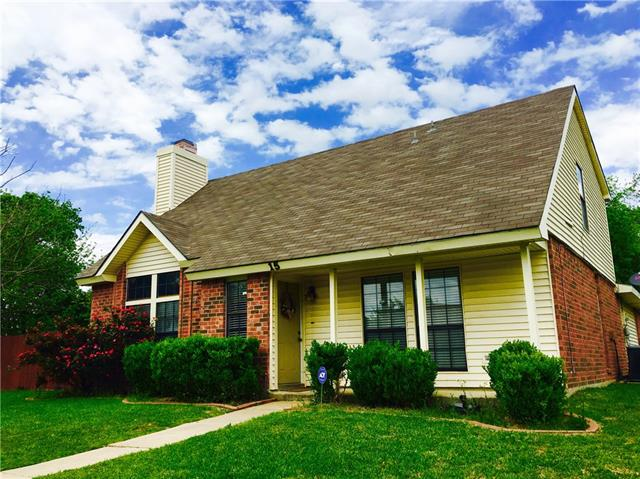 Photo of 15 Hawthorne Circle  Allen  TX