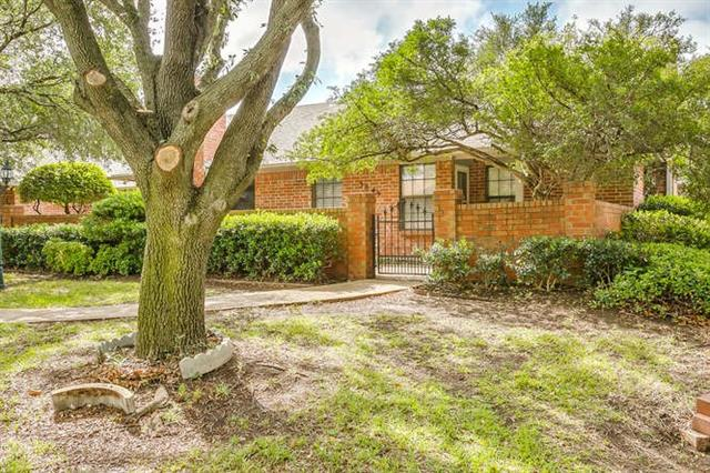 Photo of 5845 Westhaven Drive  Fort Worth  TX