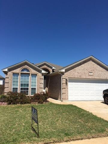 Photo of 3833 Confidence Drive  Fort Worth  TX