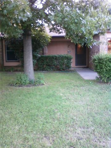 Photo of 420 Parkview Court  Burleson  TX