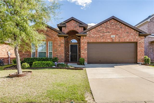 Photo of 2328 Moccassin Lane  Fort Worth  TX