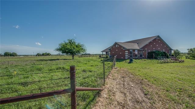 Photo of 906 LAZY BEND Road  Millsap  TX