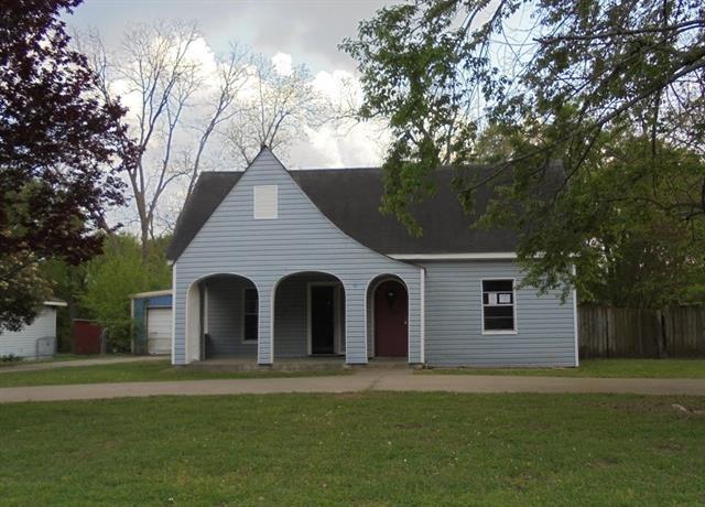 Photo of 405 W Myrtle Street  Winnsboro  TX
