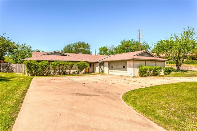 Photo of 504 Candlewood Road  Fort Worth  TX