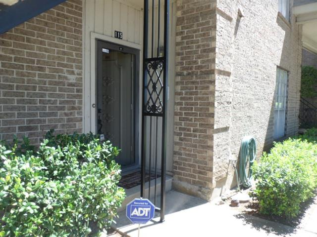 Photo of 4442 Harlanwood Drive  Fort Worth  TX