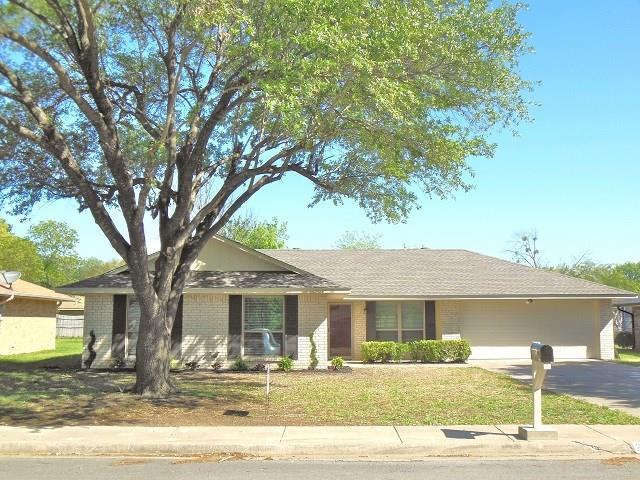 Photo of 201 Tanglewood Lane  Waxahachie  TX