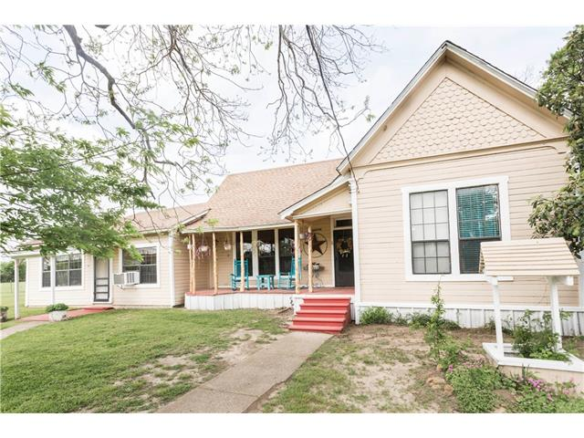 Photo of 4026 SW County Road 2130  Richland  TX