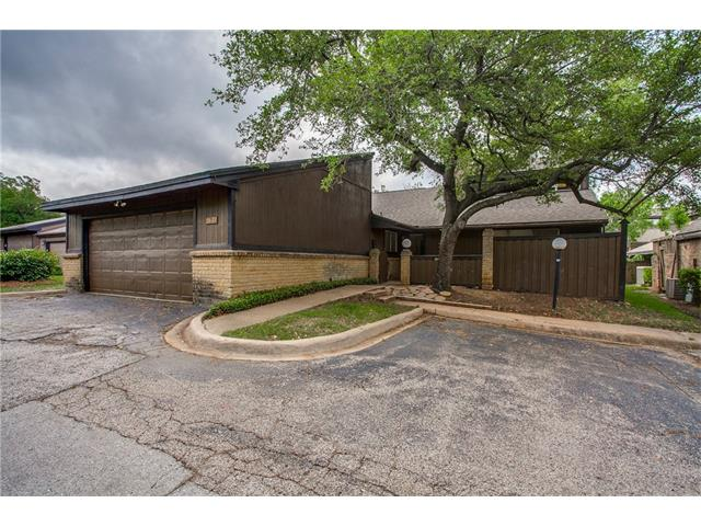 Photo of 5622 Oak View Drive  Fort Worth  TX