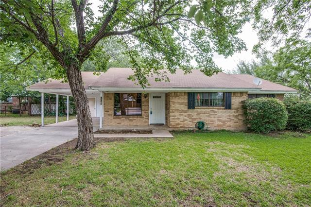 Photo of 331 S Sealy Avenue  Justin  TX
