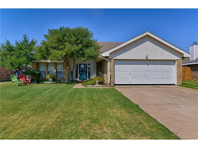 Photo of 5006 Prairieview Court S  Arlington  TX