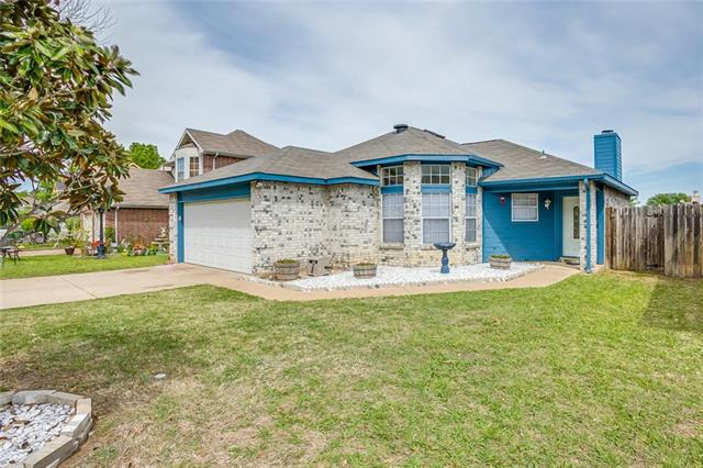 Photo of 6332 Rockhaven Drive  Fort Worth  TX