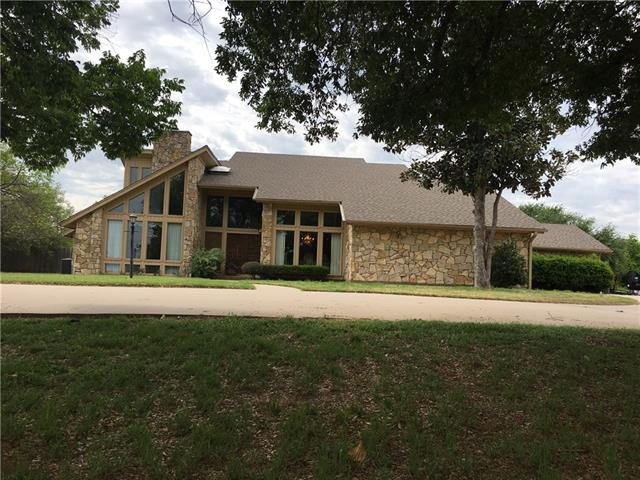 Photo of 101 Woodland Drive  Olney  TX