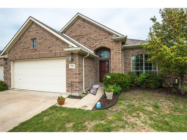 Photo of 3913 Summerhill Lane  Fort Worth  TX