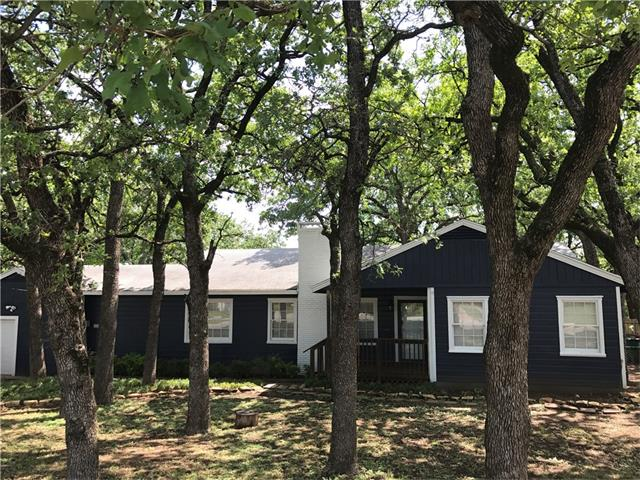 Photo of 2221 Tierney Road  Fort Worth  TX