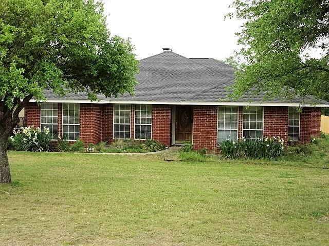Photo of 3831 Willow Creek Drive  Midlothian  TX