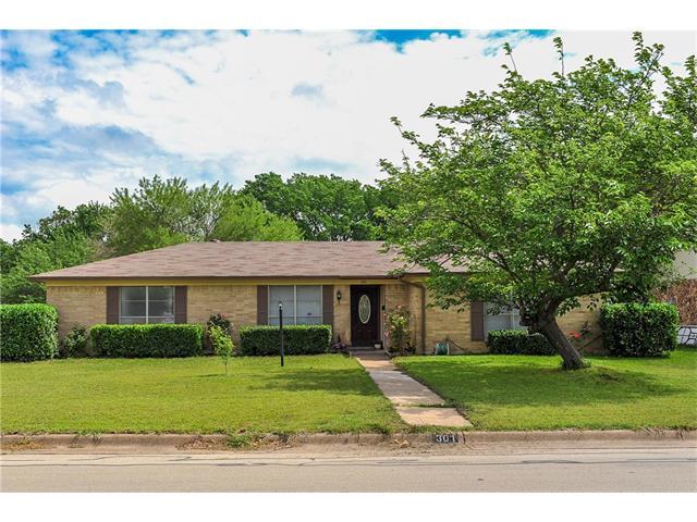 Photo of 301 SE GARDENS Boulevard  Burleson  TX