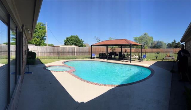 Photo of 206 W Cottonwood Street  Leonard  TX