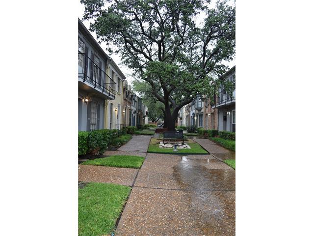Photo of 9826 Park Lane Court  Dallas  TX