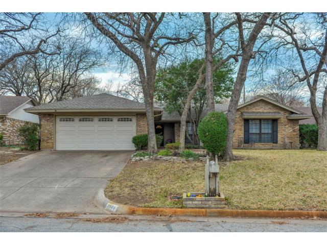 Photo of 3908 Old Place Road  Arlington  TX