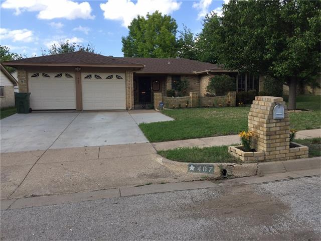 Photo of 407 Sussex Drive  Arlington  TX